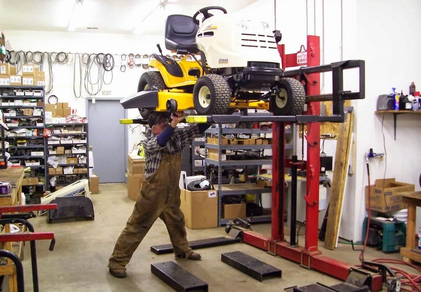 ремонт тракторов-газонокосилок в сервисном центре РемТех